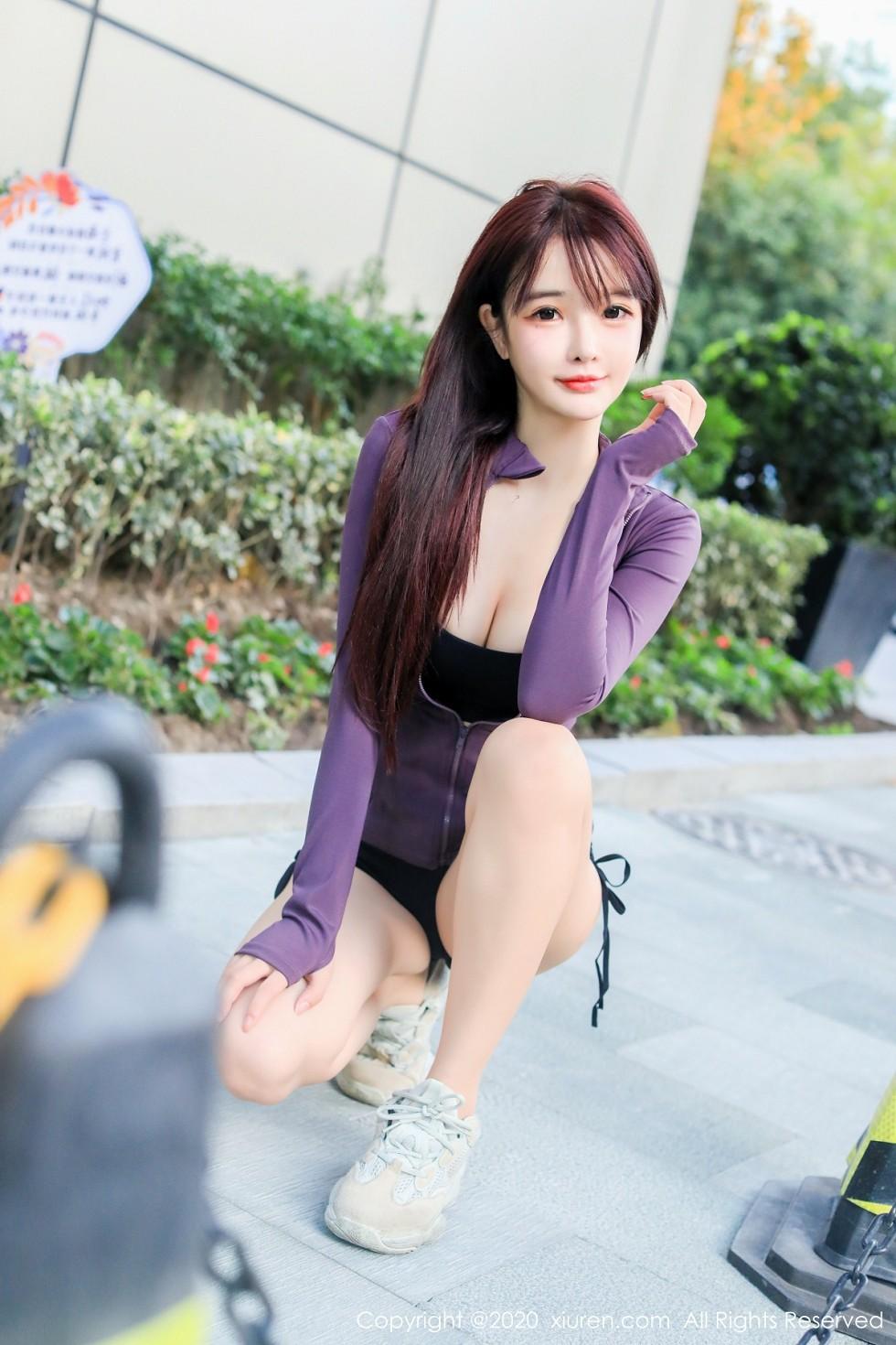 秀人网南初妹妹私房黑色运动内衣凸显雪白双峰完美身材诱惑写真图