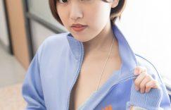萌甜妹子香月杏珠:蓝色调学生风格清凉写真