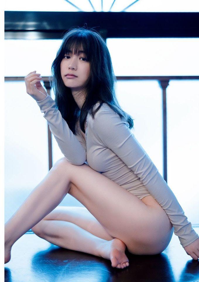最可爱便利店店员源藤アンリ推出写真集,大晒半裸雪白肌肤