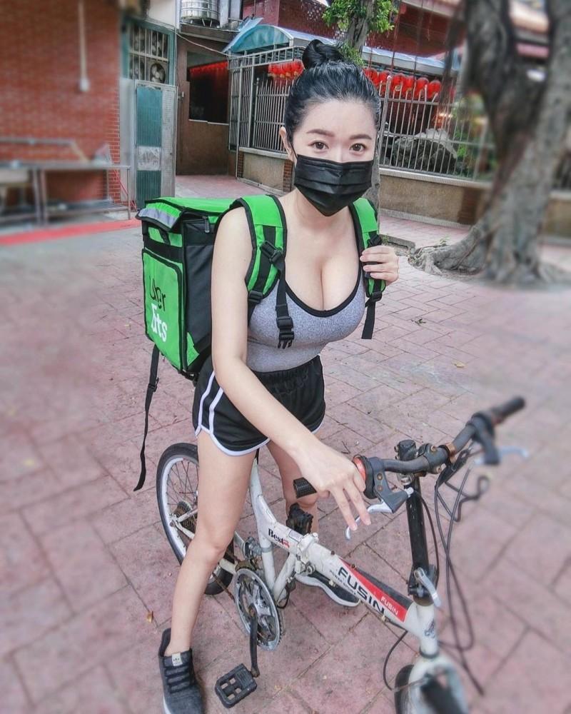 台湾正妹Judy 邱比特,火爆身材甜姐范儿,女神果然都是完美曲线
