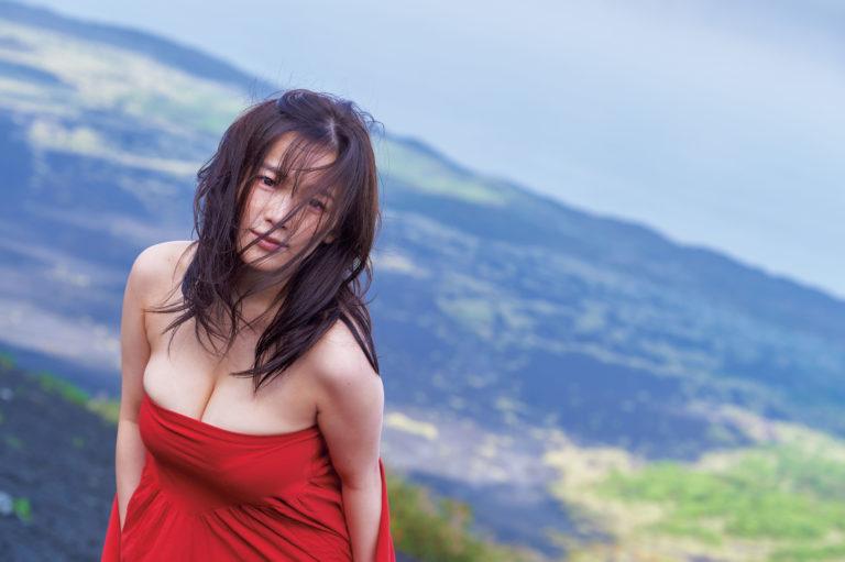 天木纯最新写真集《あまのじゃく》发布:I罩杯身材极限曝光,限界露出